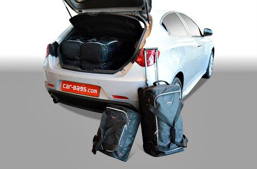 a10102s alfa romeo giulietta 2010 car bags 1